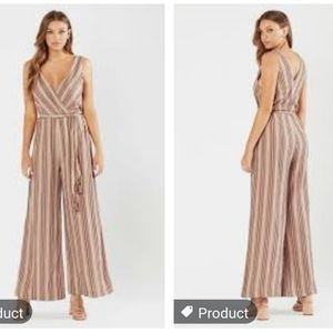 🌸Stunning Tigerlily Tami belted jumpsuit.